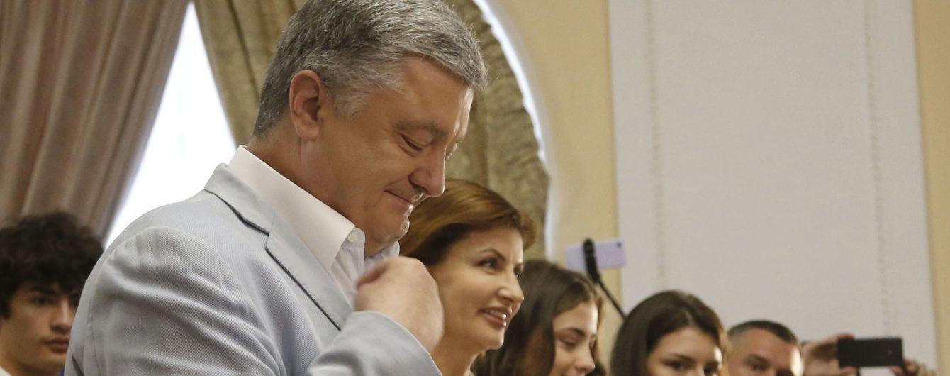 Порошенко с семьей проголосовал на парламентских выборах