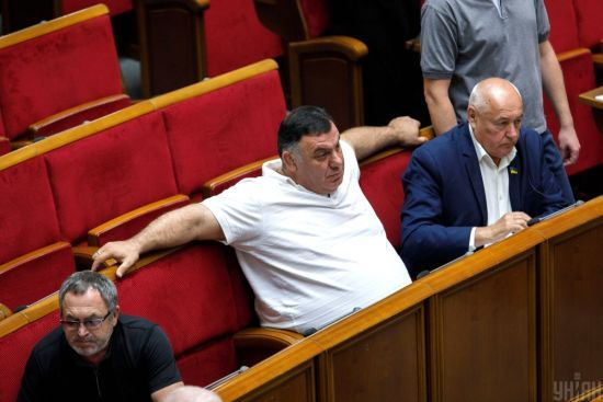Депутати збільшили собі зимові канікули