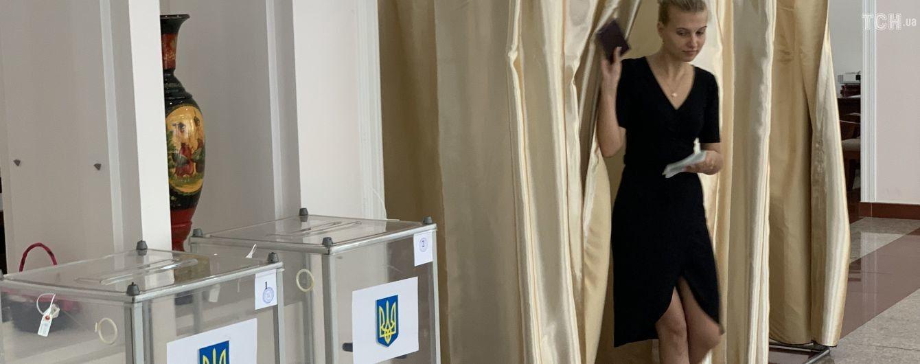 Неправильная выдача бюллетеней и цена голоса 315 грн: политики и наблюдатели назвали самые распространенные нарушения на выборах