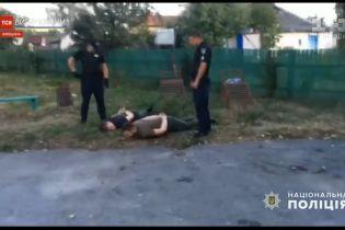 Поліція затримала підозрілих молодиків, які організованою групою прямували до столиці