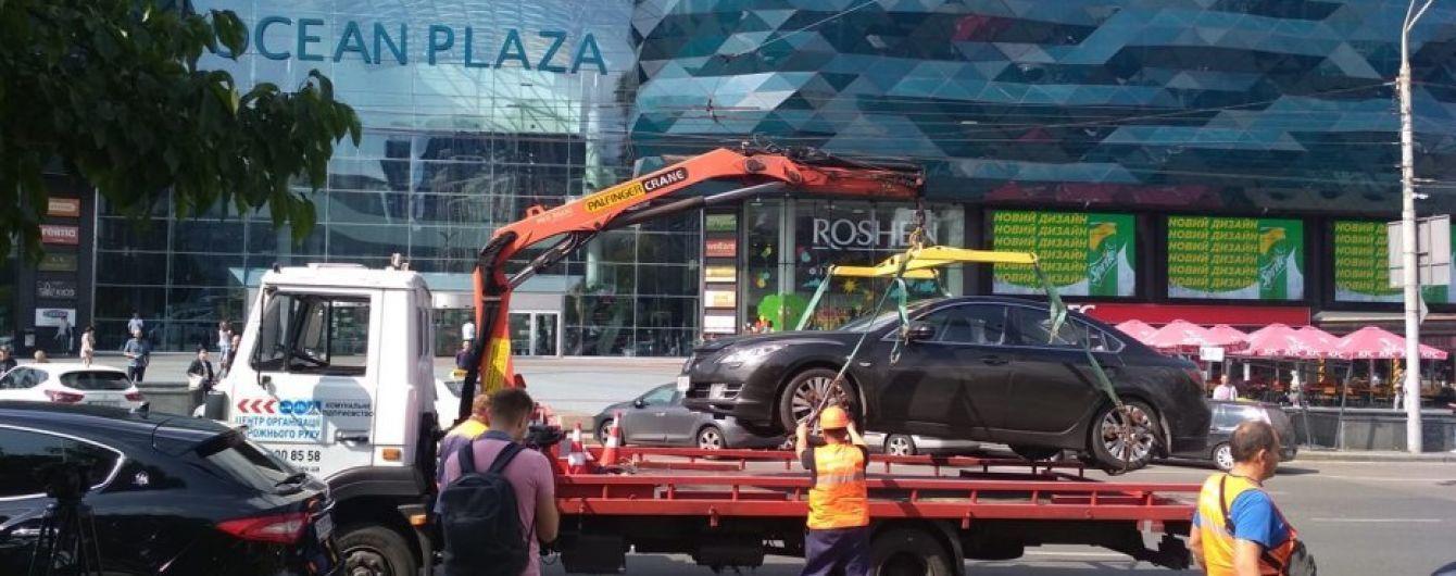 У Києві масово евакуюють авто порушників. Результати за тиждень