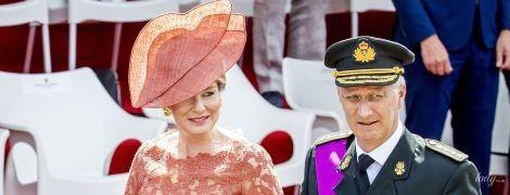 У мереживній сукні та капелюсі: ефектна королева Матильда на святковому заході