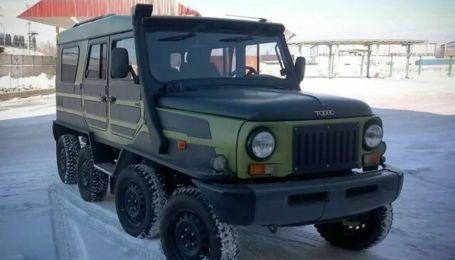 """У Сибірі """"ЛуАЗ"""" переробили на восьмиколісний всюдихід"""