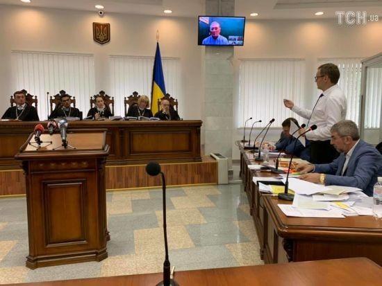 Ексрегіонала Єфремова відпустили під домашній арешт: він повертається до Києва