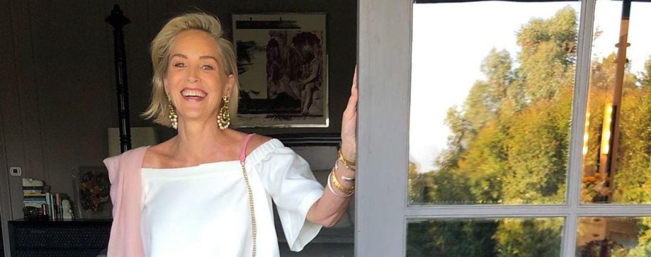 61-річна Шерон Стоун у купальнику похизувалася стрункими ніжками