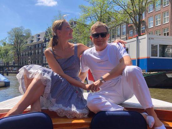 Закохані Горбунов та Осадча показали романтичні фото з подорожі Амстердамом