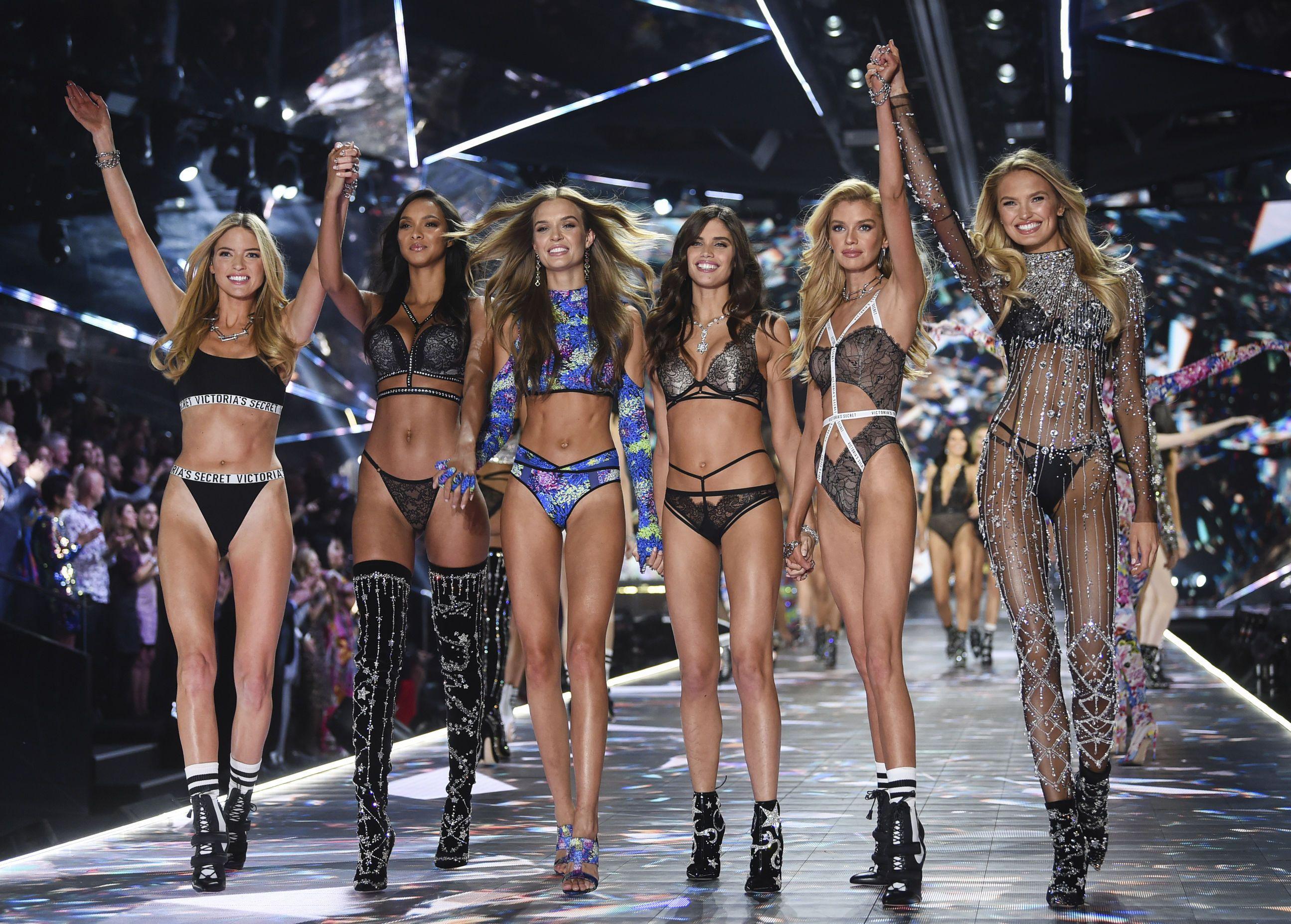 Моделі Victoria's Secret