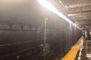 Улицы и метро Нью-Йорке затопило из-за ливня