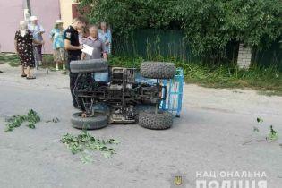 На Виннитчине во время неудачного маневра перевернулся квадроцикл: водитель скончался