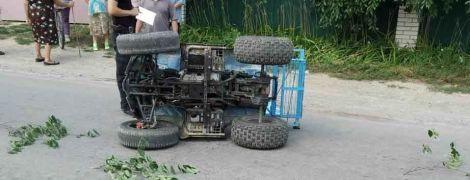 На Винниччине во время неудачного маневра перевернулся квадроцикл: водитель скончался
