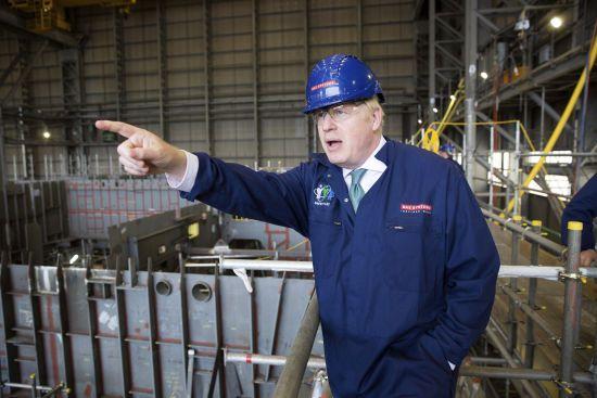 Вагітність і заручини: британський прем'єр Джонсон і значно молодша обраниця ошелешили публіку заявою