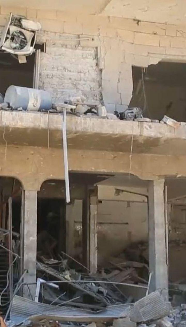 По меньшей мере 43 человека погибли в результате мощного авиаудара по рынку в Сирии