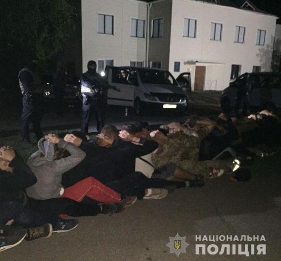 Харківський суд відправив під домашній арешт 46 агрорейдерів