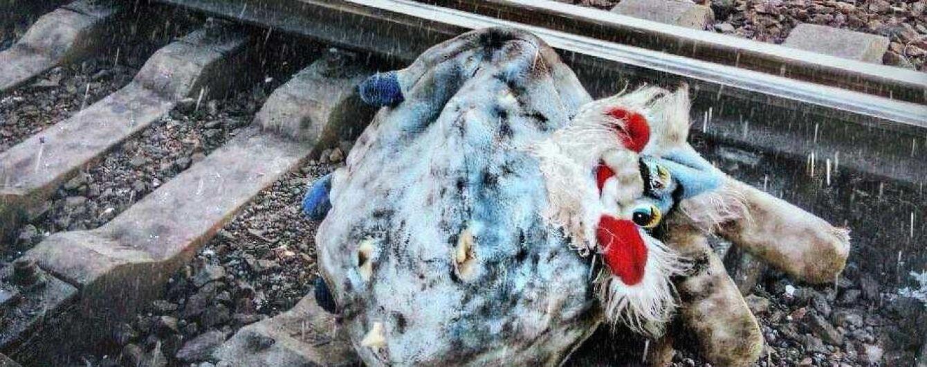 У Житомирській області потяг відтяв дитині ноги