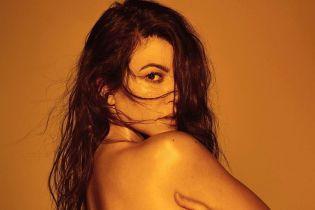 Она не идеальна: Кортни Кардашьян в купальнике показала целлюлит и растяжки