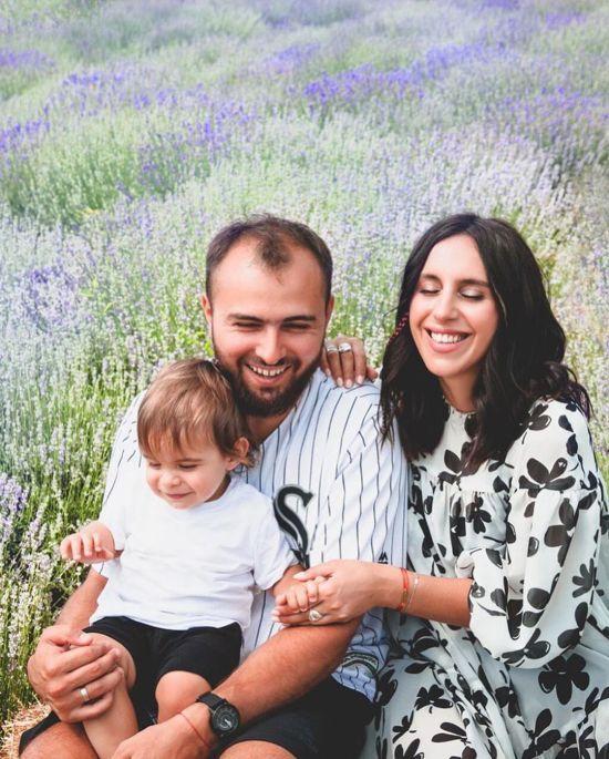 Джамала з літачком у руках показала ніжне фото з підрослим сином