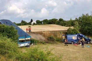 В Чехии бус с украинскими заробитчанами попал под поезд