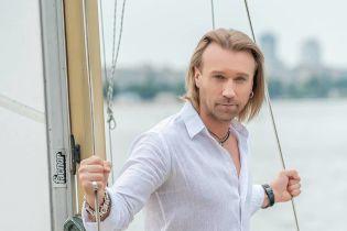Олег Винник показав, який вигляд має без бороди