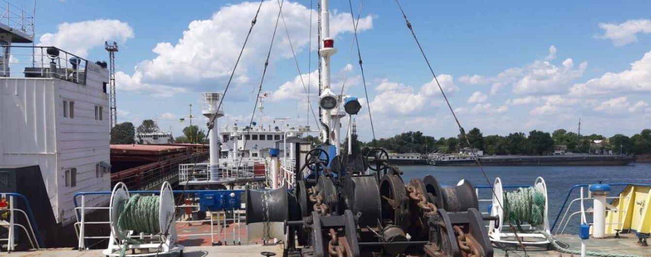 Минимум 8 граждан РФ могут находиться на задержанном в Измаиле российском танкере