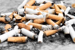 В Черногории запретили курение в ресторанах и кафе