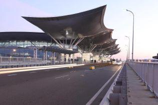 """В аэропорт """"Борисполь"""" временно перенесены рейсы десяти авиакомпаний в терминалы D и F"""