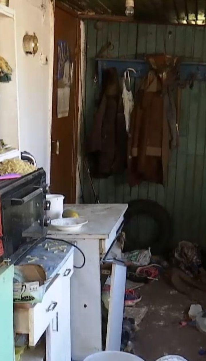 В результате взрыва газа в частном доме мужчину и его двух дочерей госпитализировали с ожогами