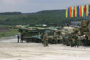 В России трое солдат отсудили 4 млн рублей за то. что их обстреляли из танка на учениях