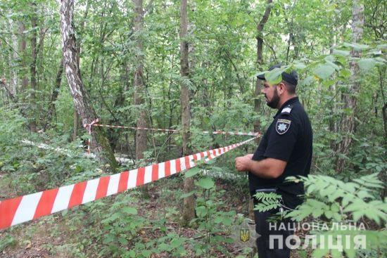 Поліція повідомила подробиці вбивства хлопця, труп якого знайшли у лісі на Житомирщині