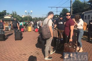 """Майбутні депутати від """"Слуги народу"""" з'їхалися до Трускавця на тижневе навчання"""