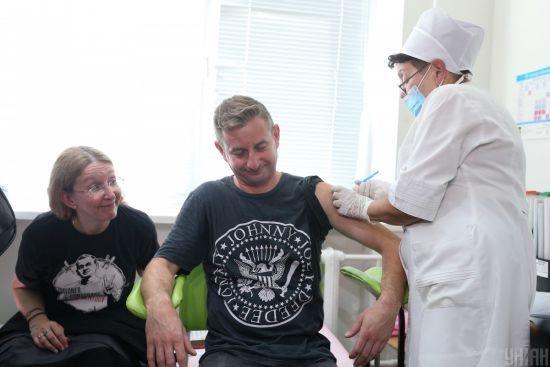 У МОЗ детально розповіли про вакцинацію українців