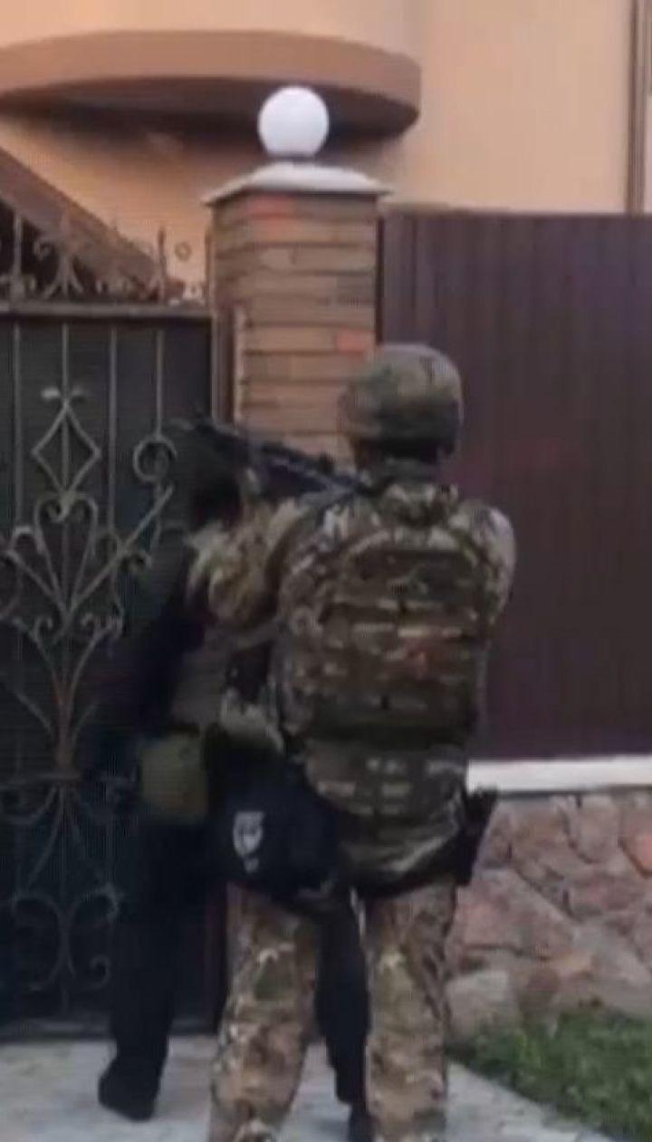 Правоохоронці показали відео, як затримували бандитів у Білій Церкві