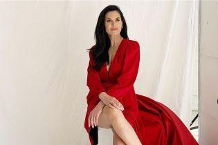 Женщина-вамп: Маша Ефросинина показала эффектный лук в красном платье