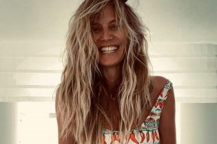 Взъерошенная Хайди Клум в купальнике эротично позировала перед молодым мужем