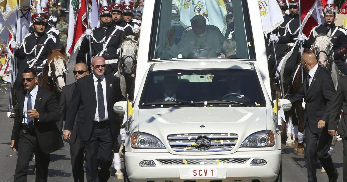 Mercedes-Benz M-класса Папы Банедикта XVI