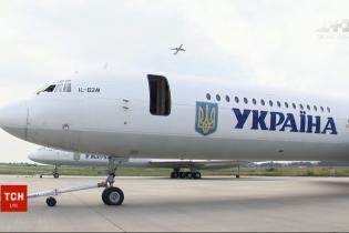 У самолета Зеленского отказал двигатель
