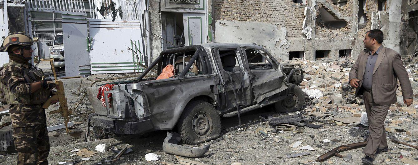 Майже півсотні загиблих та десятки поранених. В Афганістані за один день сталися одразу два теракти