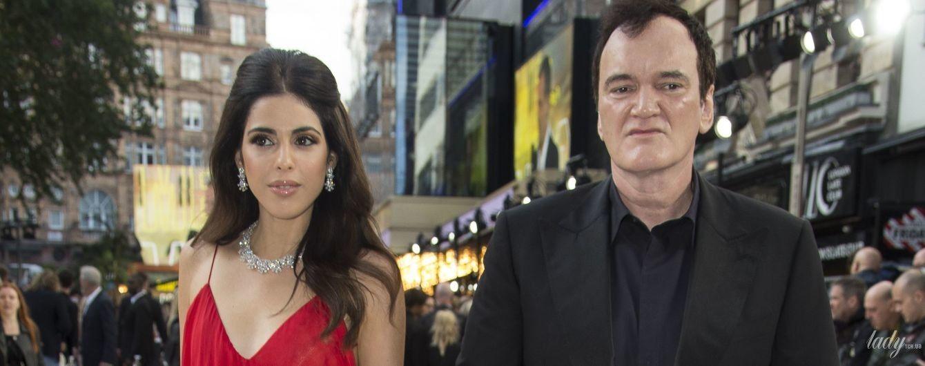 В красном платье на бретельках: супруга Тарантино - Даниэла Пик, поддержала его на премьере фильма в Лондоне