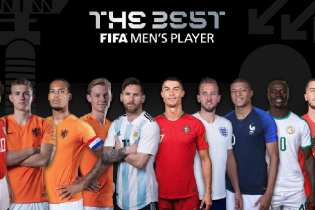 """Месси, Роналду и Салах. Определилась десятка футболистов на звание """"Игрок года"""""""