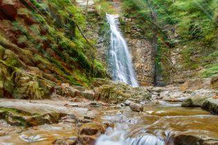 Манявский водопад — самый красивый в Украине