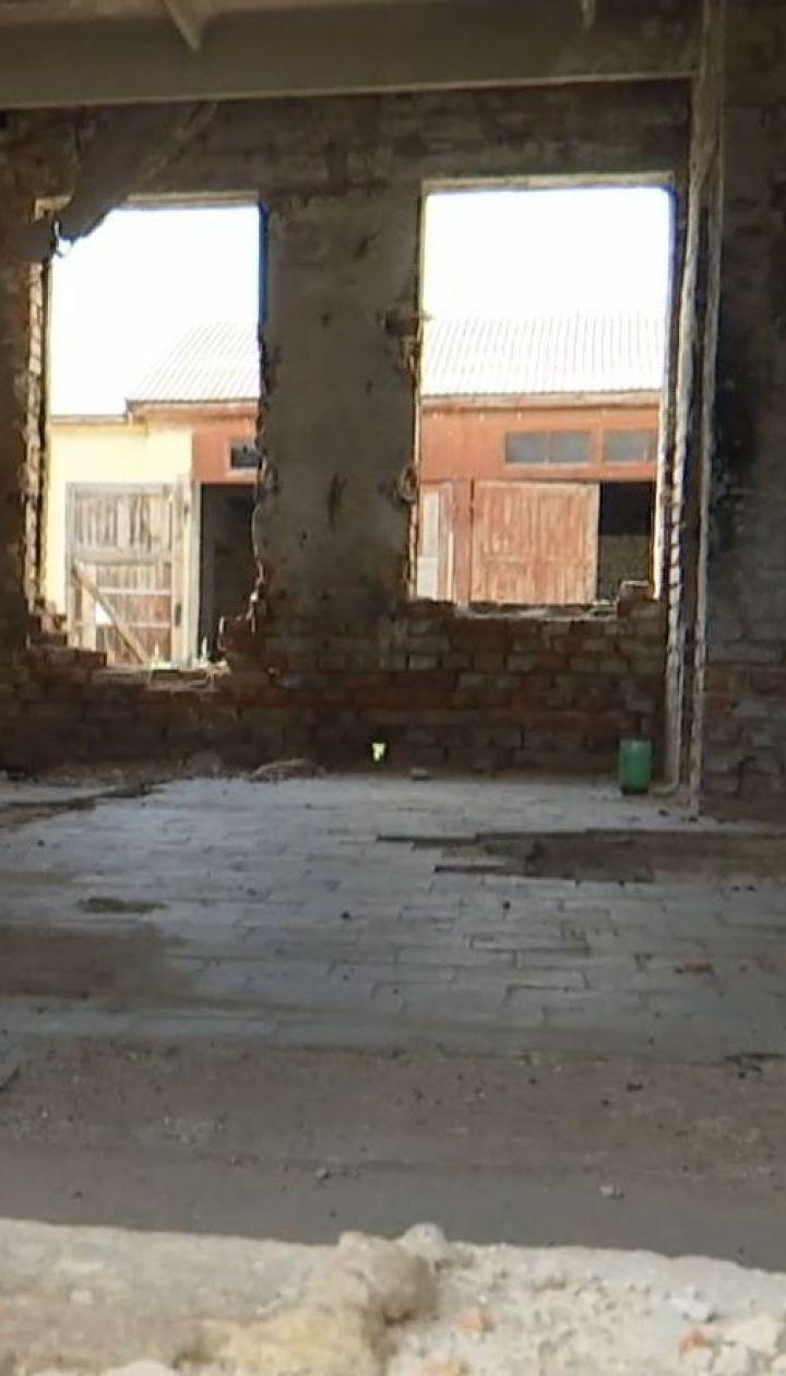У Рівному 9-річний хлопчик впав у вентиляційний отвір покинутої будівлі