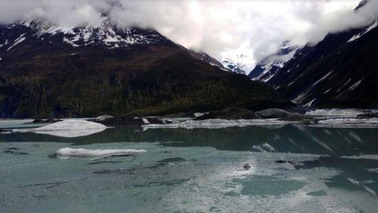 На Алясці у льодовиковому озері знайшли тіла трьох німецьких туристів
