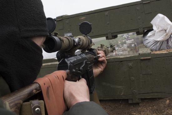 """""""Перемир'я"""" на Світлодарському напрямку: бойовики щоночі стріляють в бік українських позицій"""