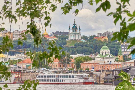 Здешевлення газу, штрафи для євроблях, поява громадських вбиралень: що зміниться в Україні від серпня