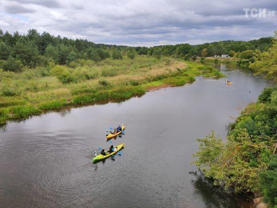На каяках вздовж Чорнобиля: у зоні відчуження відкривають нові мальовничі туристичні маршрути