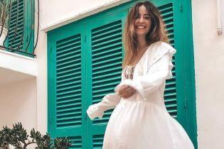 У білій сукні і з чоловіком за руку: Надя Дорофєєва показала перші світлини з відпустки