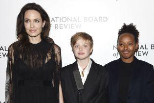 13-летняя дочь Джоли и Питта отказалась жить с актрисой - СМИ