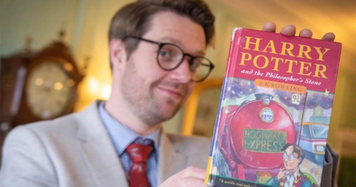 Первое издание книги о Гарри Поттере продали за почти 90 тысяч долларов