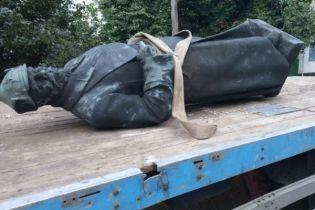 На Херсонщині повалили радянський пам'ятник
