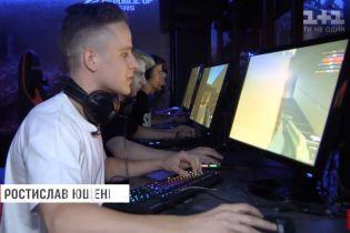 В Украине набирает обороты киберспорт: как отличить игромана от профессионального спортсмена