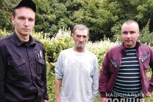На Сумщине полиция спасла жизнь мужчине, которого засосало в болото